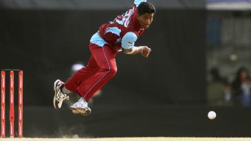 Dilhara Lokuhettige delivers the ball