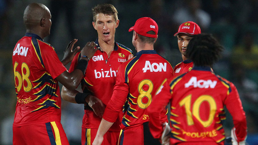 Lions celebrate the wicket of Rahul Dravid