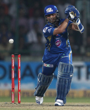The Stands : Plays of the day: Two legends, one dismissal ... Sachin Tendulkar Cover Drive