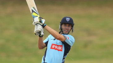 Kurtis Patterson pulls one over the leg side