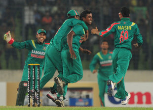 Rubel Hossain became the third Bangladesh player to take a hat-trick in ODIs, Bangladesh v New Zealand, 1st ODI, Mirpur, October 29, 2013