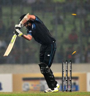 Tim Southee was the last man to be dismissed, bowled by Mortaza for a duck, Bangladesh v New Zealand, 2nd ODI, Mirpur, October 31, 2013