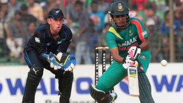 Shamsur Rahman plays a scoop