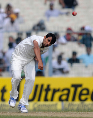 Mohammed Shami bowls on Test debut, India v West Indies, 1st Test, Kolkata, 1st day, November 6, 2013