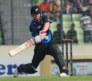 Colin Munro slammed an unbeaten 73 off 39 balls, his first T20I fifty, Bangladesh v New Zealand, only T20I, Mirpur, November 6, 2013