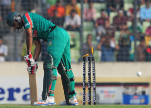 Ziaur Rahman was bowled by Tim Southee for 6, Bangladesh v New Zealand, only T20I, Mirpur, November 6, 2013