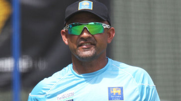 Marvan Atapattu at a training session