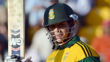 Quinton de Kock brings up his fifty