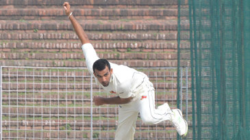 Zaheer Khan in his delivery stride
