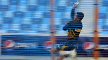 Abdul Razzaq in his bowling stride