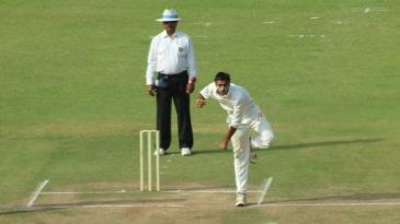 Akshar Patel dismissed KL Rahul for 34
