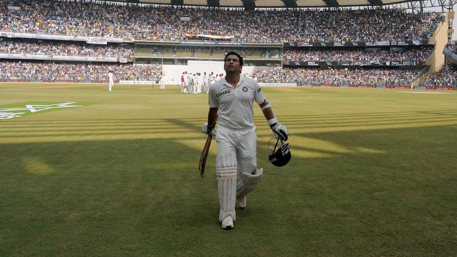 Sachin Tendulkar walks off to a rousing ovation