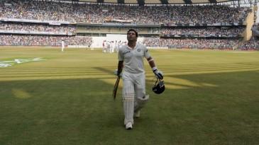 Sachin Tendulkar walks off to a rousing ovation