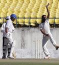 Mohammed Mudhasir bowling in Dharamsala, Himachal Pradesh v Jammu & Kashmir, Ranji Trophy, Group C, Dharamsala, November 15, 2013