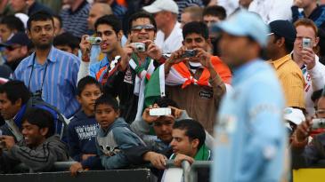 Fans take photos of Sachin Tendulkar