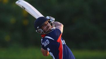 Sharad Vesawkar smashed three sixes in six balls