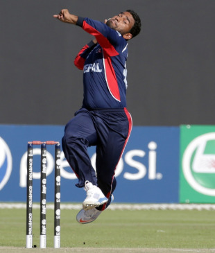 Jitendra Mukhiya in his delivery stride, Hong Kong v Nepal, ICC World Twenty20 Qualifier, quarter-final, Abu Dhabi, November 27, 2013