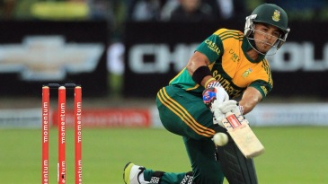 JP Duminy attempts to guide the ball fine on the leg side