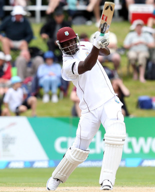 Darren Sammy hits over the top, New Zealand v West Indies, 1st Test, Dunedin, 5th day, December 7, 2013