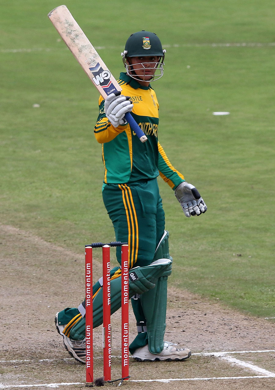 Quinton de Kock raises the bat after his fifty | Cricket ... Quinton De Kock 2013