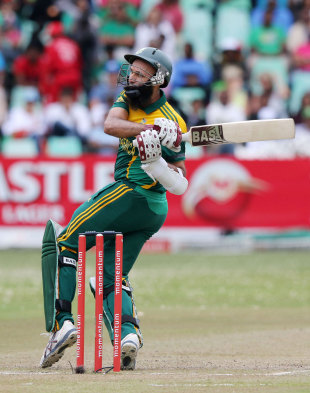 Hashim Amla plays a pull, South Africa v India, 2nd ODI, Durban, December 8, 2013
