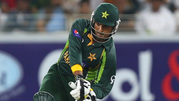 Sharjeel Khan looks to clear the long-on boundary
