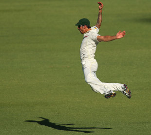 Mitchell Johnson held on to a difficult catch running backwards, Australia v England, 3rd Test, Perth, 2nd day, December 14, 2013