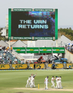 Earned it: Australia clinch the series, Australia v England, Test, Perth, 5th day, December 17, 2013