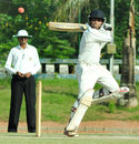 Chirag Khurana cuts during his unbeaten 43, Kerala v Maharashtra, Ranji Trophy 2013-14, Group C, 3rd day, Kannur, December 16, 2013
