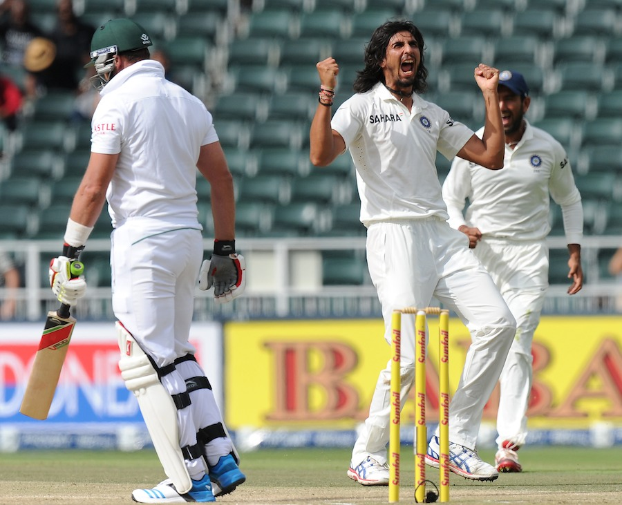 Ishant Sharma trapped Jacques Kallis lbw first ball, South Africa v India, 1st Test, Johannesburg, 2nd day, December 19, 2013