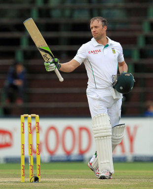AB de Villiers celebrates his century, South Africa v India, 1st Test, Johannesburg, 5th day, December 22, 2013
