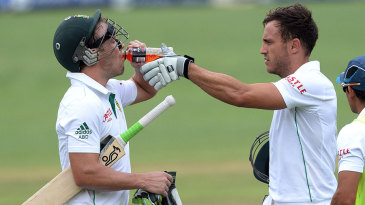 AB de Villiers and Faf du Plessis share a drink