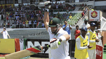 Jacques Kallis walks out to bat in his final Test