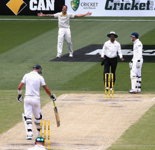 Mitchell Johnson gestures at Kevin Pietersen, Australia v England, 4th Test, Melbourne, 3rd day, December 28, 2013