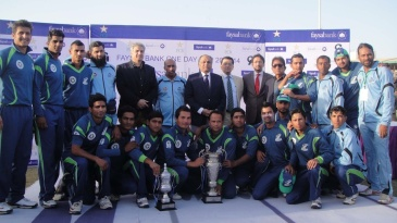 Karachi Dolphins with the trophy after winning the final