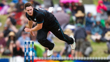 Rain stopped play during Mitchell McClenaghan's seventh over