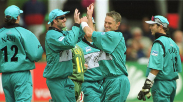 Gavin Larsen took three wickets