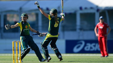 Erin Osborne and Ellyse Perry celebrate victory