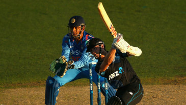 Kane Williamson hit two fours and two sixes