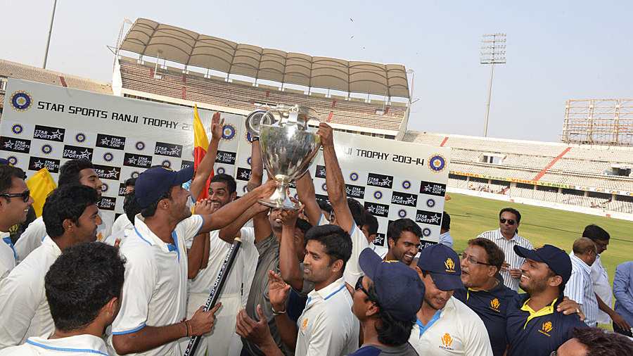 Karnataka players get their hands on the Ranji silverware