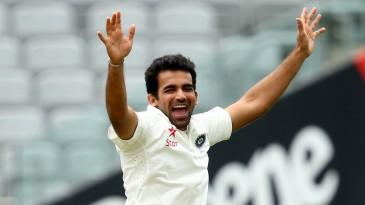 Zaheer Khan celebrates Peter Fulton's wicket