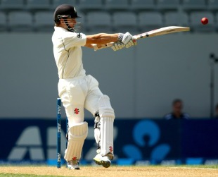 India's quicks surprisingly persisted with the shorter ball, which the New Zealand batsmen happily kept dispatching for boundaries
