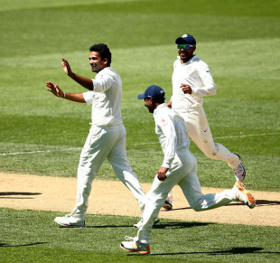 Zaheer Khan is ecstatic after a wicket, New Zealand v India, 1st Test, Auckland, 3rd day, February 8, 2014
