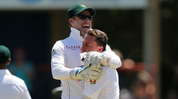 AB de Villiers celebrates with Dale Steyn after Michael Clarke's wicket