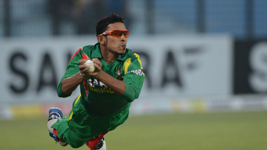 Nasir Hossain took a screamer to dismiss Kumar Sangakkara
