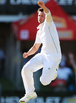 Dale Steyn is pumped up after a wicket, South Africa v Australia, 2nd Test, Port Elizabeth, 4th day, February 23, 2014