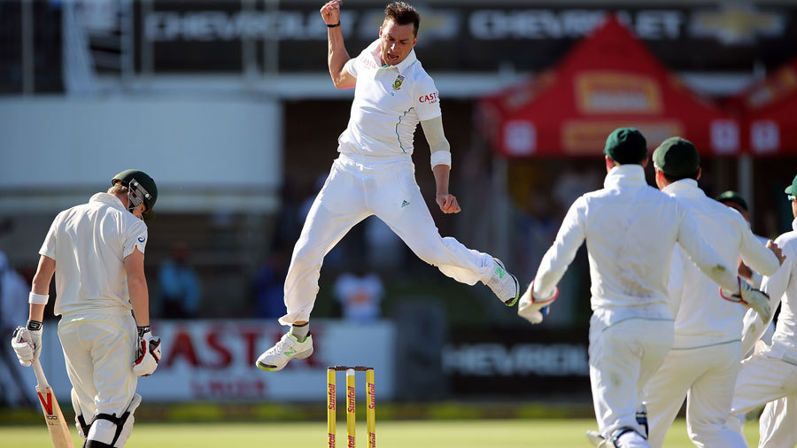 Dale Steyn takes a celebratory leap