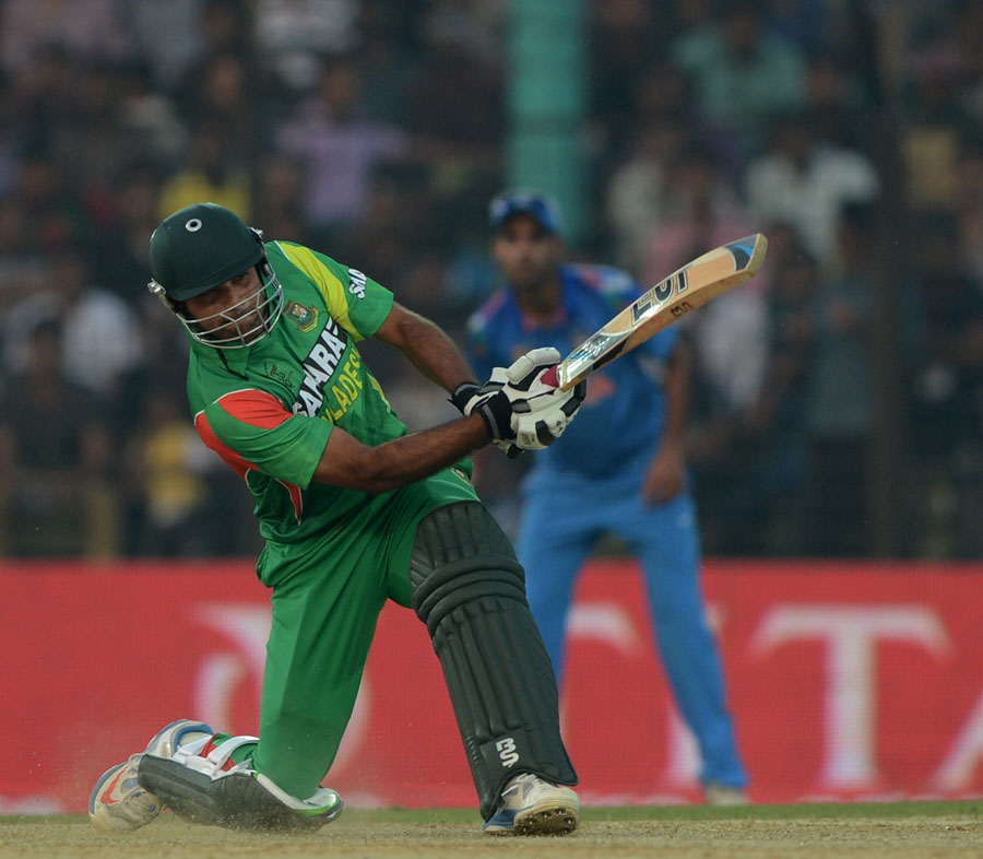 Ziaur Rahman goes over the top, Bangladesh v India, Asia Cup 2014, Fatullah, February 26, 2014
