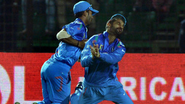 Ajinkya Rahane and Shikhar Dhawan dropped the ball after they both went for a catch