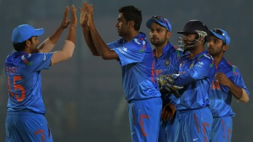 R Ashwin is congratulated after dismissing Lahiru Thirimanne
